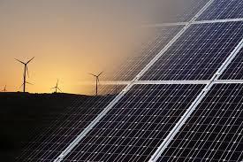 Des panneaux solaires et des éoliennes